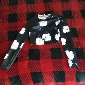 Black Floral Long-Sleeve Crop Top